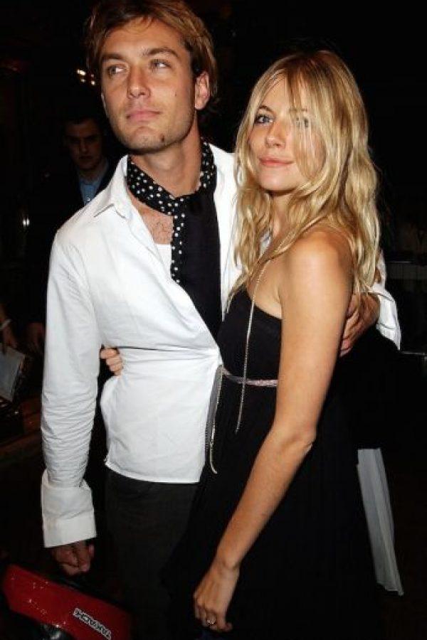 Jude Law le fue infiel a Sienna Miller con la niñera. Foto:vía Getty Images
