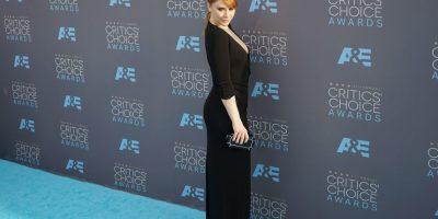 Elegancia monocromática en los Critic´s Choice Awards