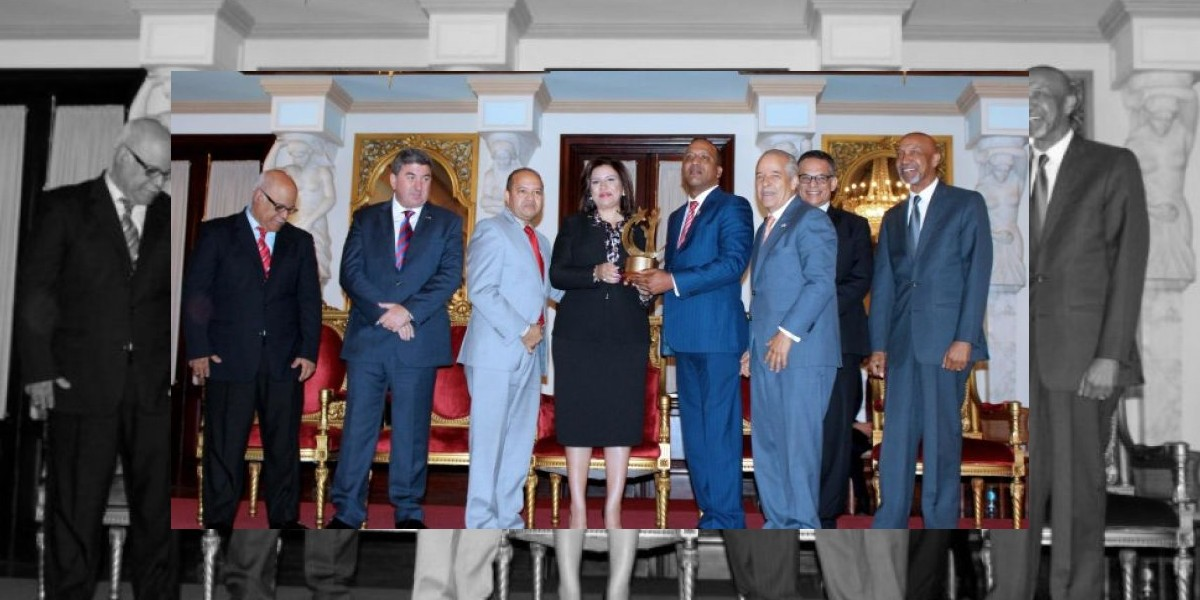Hospital Profesor Juan Bosch de La Vega gana máximo Premio Nacional a Calidad