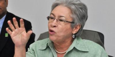 Ministra de Salud pide posponer embarazos este año por riego zika