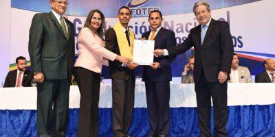 En la graduación también fueron certificados 35 maestros técnicos. Foto:Fuente externa