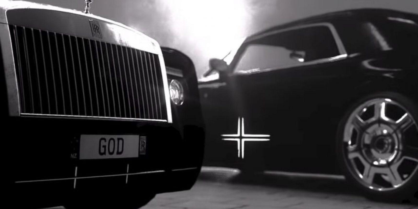 Rolls Royce por doquier. Foto:MrKimDotcom / YouTube