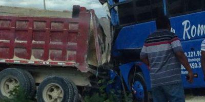 Al menos cinco muertos y 15 heridos en accidente de tránsito en La Romana