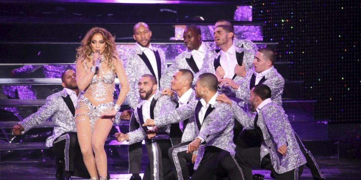 Con un vestuario semitransparente Jennifer López conquistó Las Vegas
