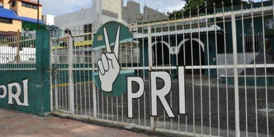 Julio Jiménez y 27 presidentes provinciales renuncian al PRI