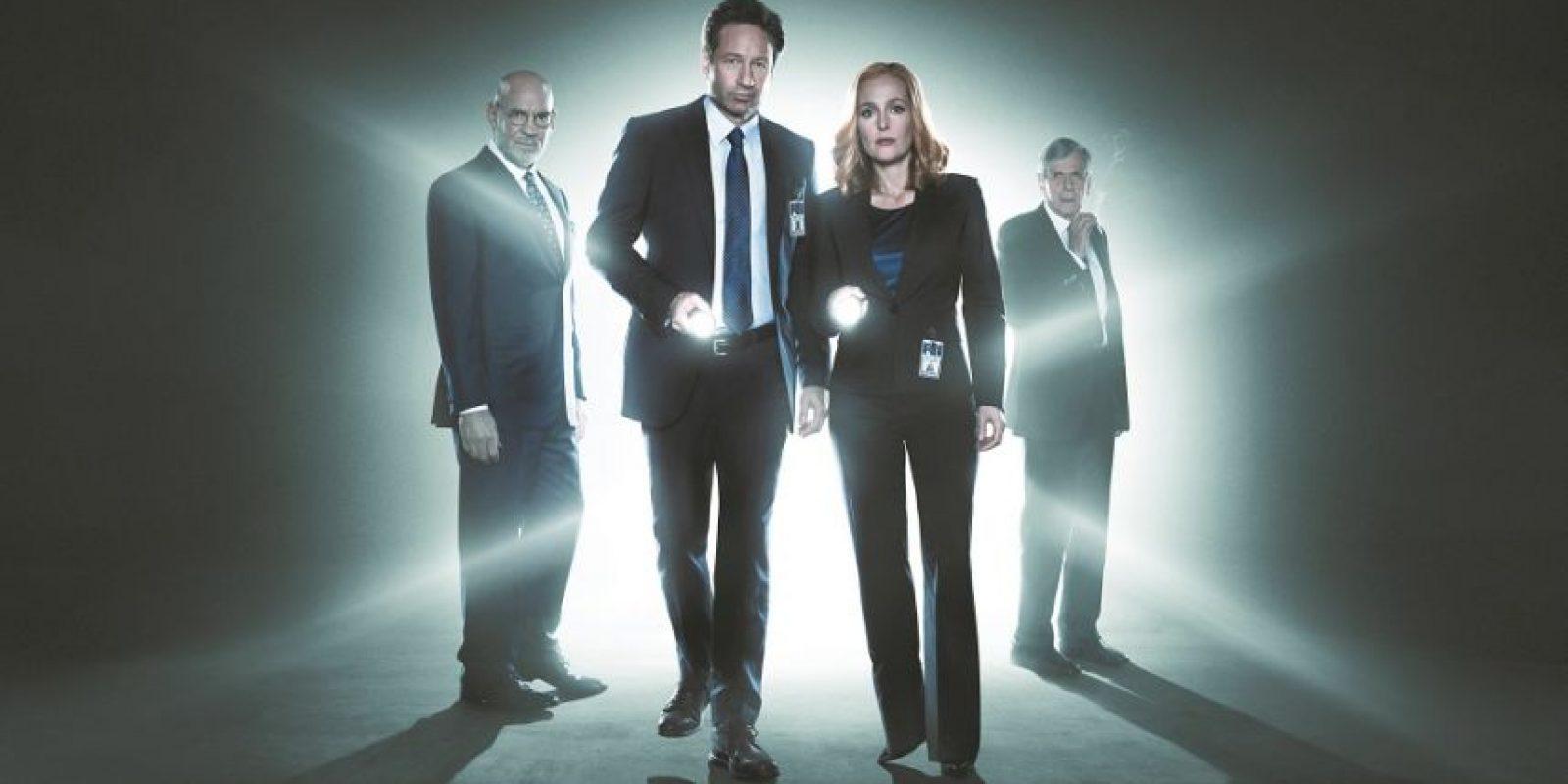 1- X-Files. Considerada una de las grandes series de la década de 1990, The X-Files está de vuelta después de 13 años. Esta nueva temporada seguirá con las investigaciones de casos sobre extraterrestres y actividades paranormales, pero también se incluyen temas de actualidad, como problemas en el gobierno y videos de vigilancia. Ah, y los famosos protagonistas siguen siendo los mismos: Los agentes Fox Mulder (David Duchovny) y Dana Scully (Gillian Anderson). Estreno: 25 de enero. Foto:MetroRD