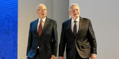 Profesor Klaus Schwab, Fundador y Presidente Ejecutivo del Foro Económico Mundial junto Joachim Gauck, Presidente de la República Federal de Alemania. Foto:Vía weforum.org