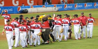 Leones colocan 3-0 la serie final del béisbol dominicano