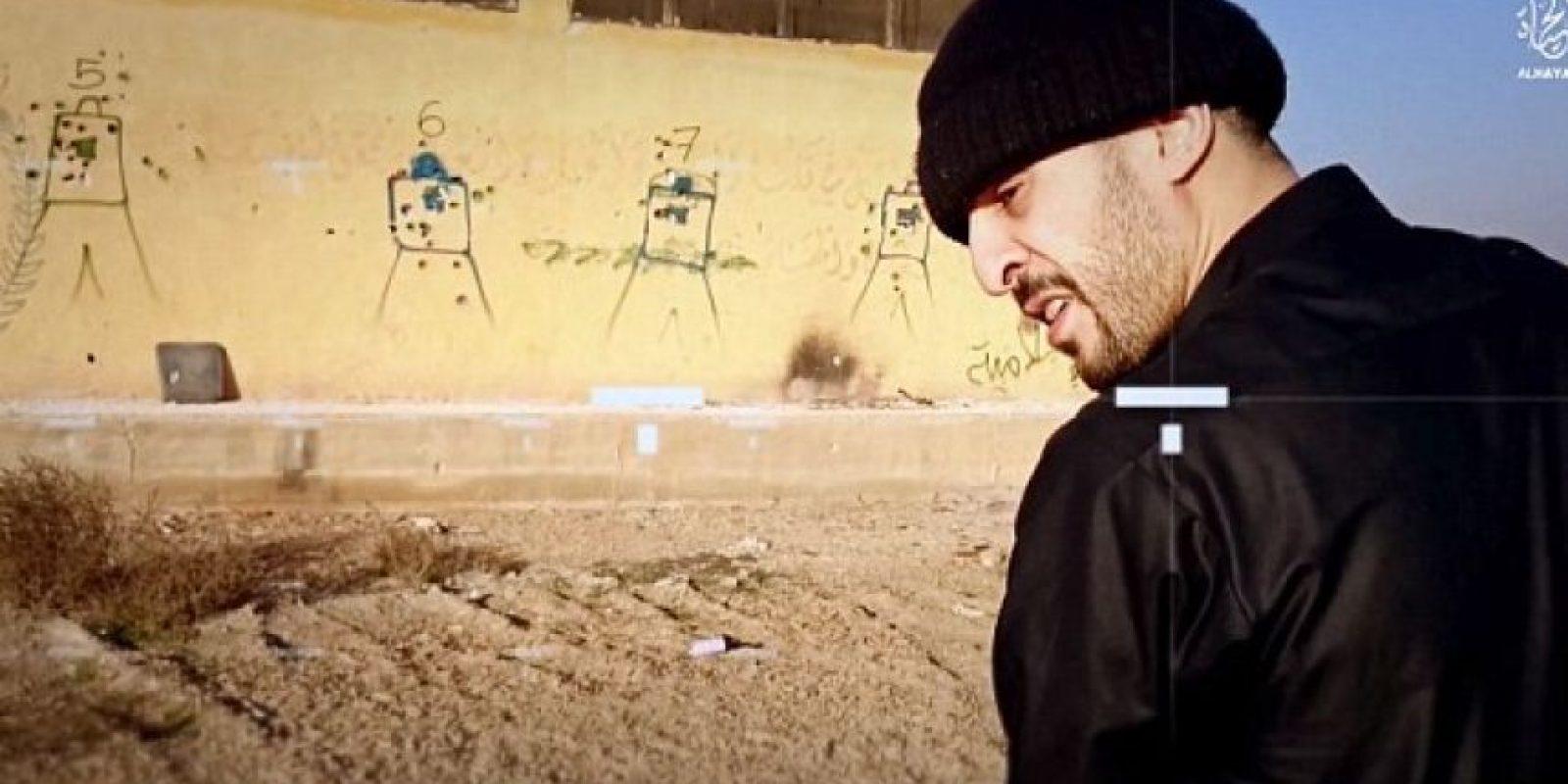 Brahim Abdeslam realiza prácticas en una pared Foto:Video de Estado Islámico