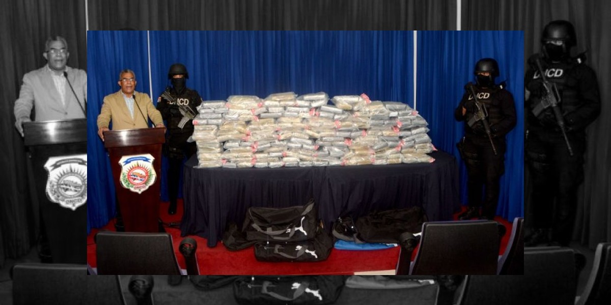 DNCD decomisa 150 paquetes de droga iban con destino a Barcelona, España