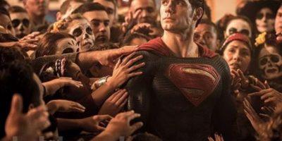 """""""Superman"""" nace en el planeta """"Krypton"""". Sus padres lo enviaron en una nave espacial con destino a la Tierra cuando era niño, momentos antes de la destrucción de su planeta. Foto:Vía Twitter/EW"""