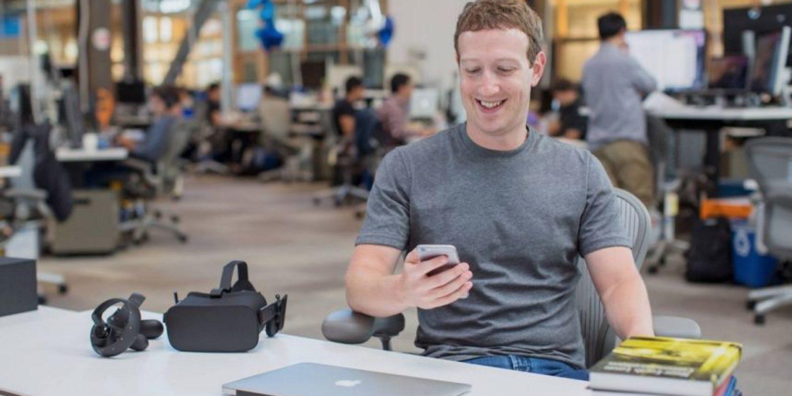 Mark Zuckerberg regresó al trabajo tras su permiso de paternidad. Foto:Vía facebook.com/zuck