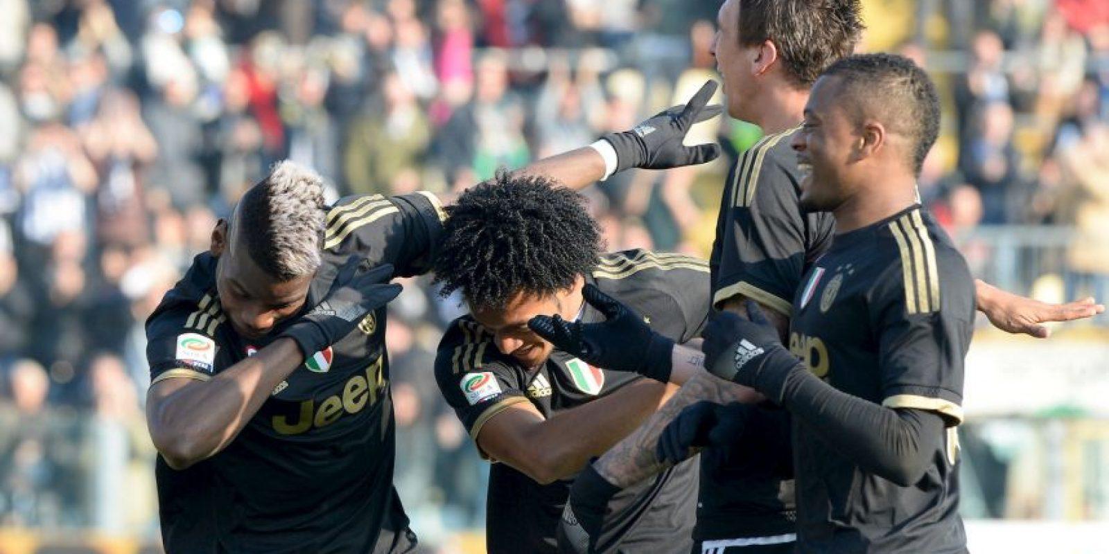 """Y ahora varios miembros de la """"Juve"""" se han unido al dab Foto:Getty Images"""
