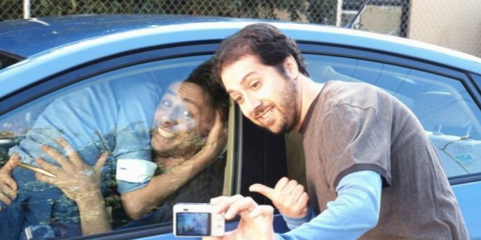 Para no ser detenidos por tener sexo dentro del auto, una pareja lo encerró y lo dejó prendido. De esta manera, los dos murieron ahogados por el monóxido de carbono que desprende el automotor. Foto:Fanpop