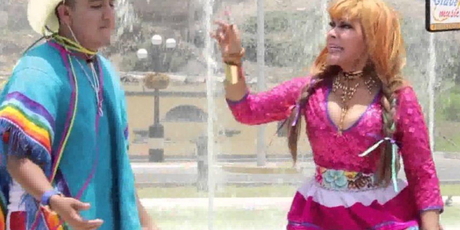 A comienzos del año pasado cantaron juntos. Foto:vía Youtube/La Tigresa del Oriente