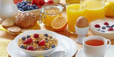 Las proteínas, fibras y carbohidratos simples son tres componentes indispensables en tus comidas. / Fotos: Fuente externa