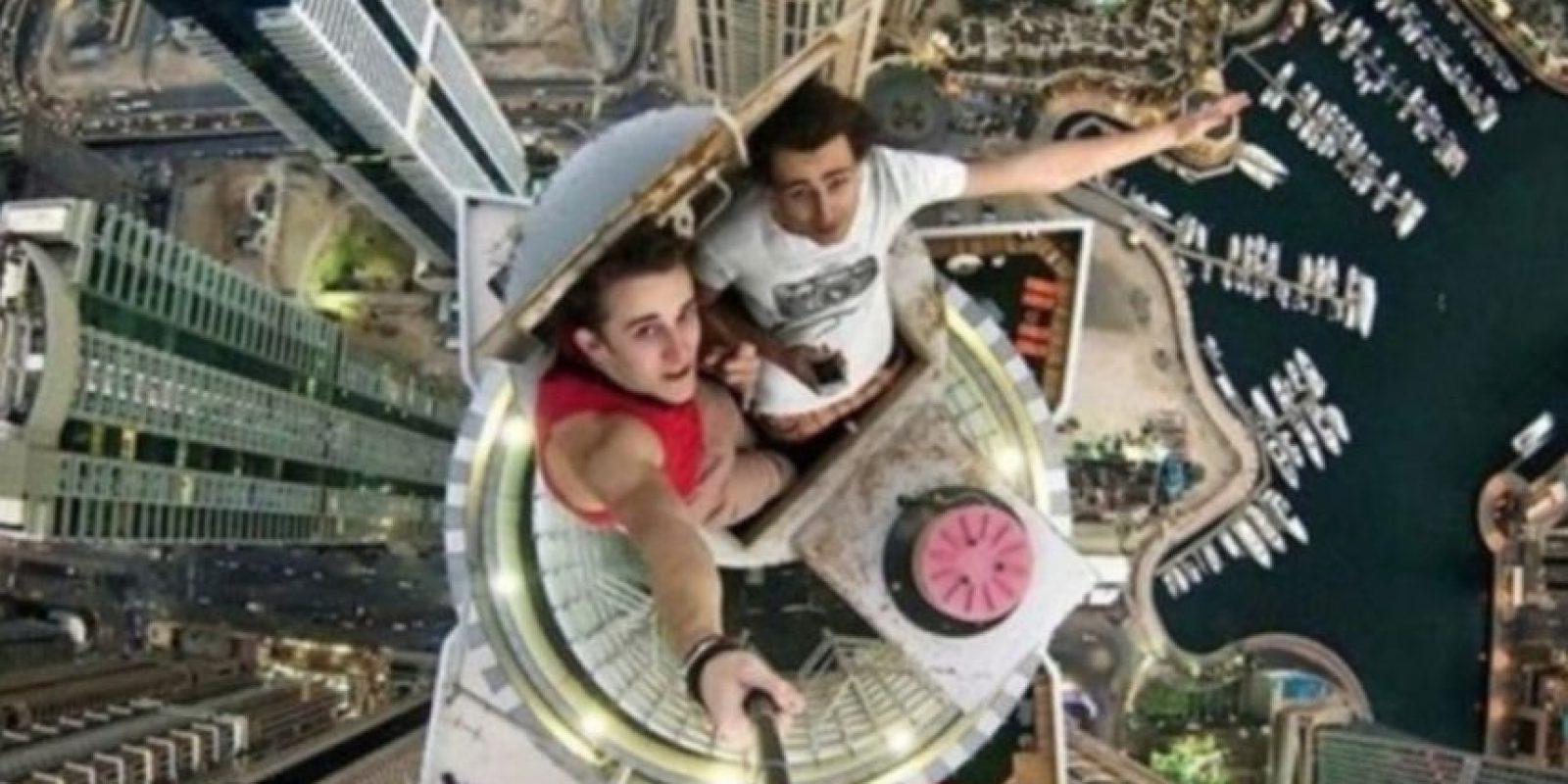 Los rascacielos están de moda para los selfies. Foto:Vía Amusingplanet