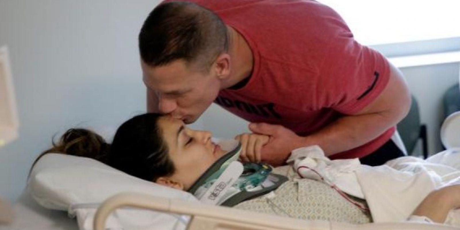 Estuvo acompañada en todo momento por John Cena Foto:WWE