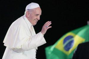 La religión también mueve multitudes, como la que vio al Papa en Brasil en 2013 Foto:Fuente Externa