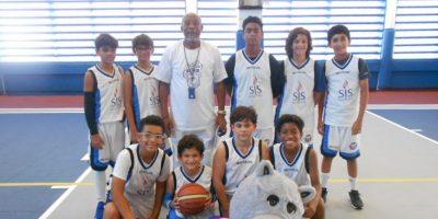 Equipo da Baloncesto del Saint Joseph School. Foto:Fuente Externa