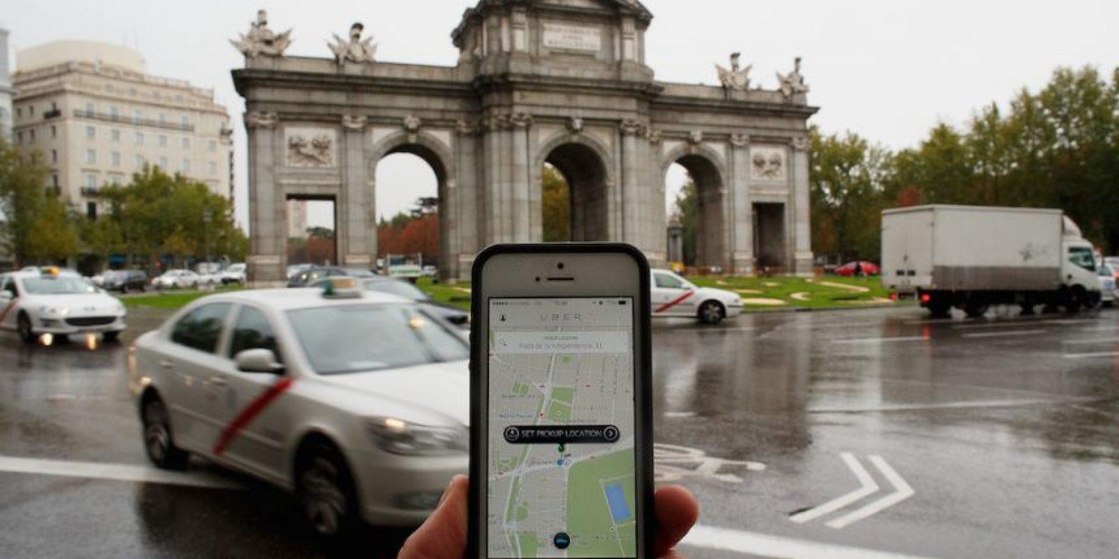 """Según Uber, si encuentran una """"tarifa dinámica"""", es recomendable esperar un lapso de cinco minutos. En caso de que no haya urgencia por el servicio, la app tiene la opción de notificarles en 30 minutos si las tarifas han bajado. Foto:Getty Images"""