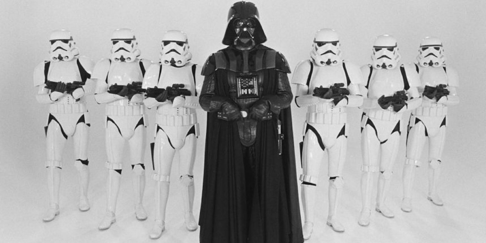La película Star Wars IV no contenía la Marcha Imperial en ninguna parte. Música que caracteriza al personaje y puede escucharse en todas las películas, menos en esa. Foto:Vía StarWars.LATAM
