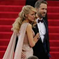 Blake Lively recibió una perla ovalada de 2.2 quilates por parte de Ryan Reynolds. Valuado en 2.5 millones de dólares Foto:Getty Images