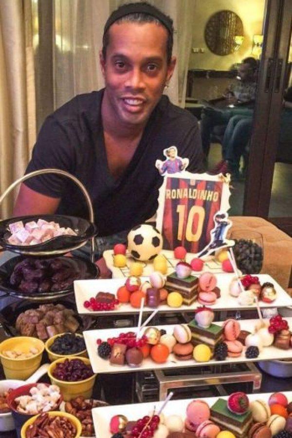 Ahora solo quiere viajar y promover el fútbol Foto:Vía instagram.com/ronaldinhooficial