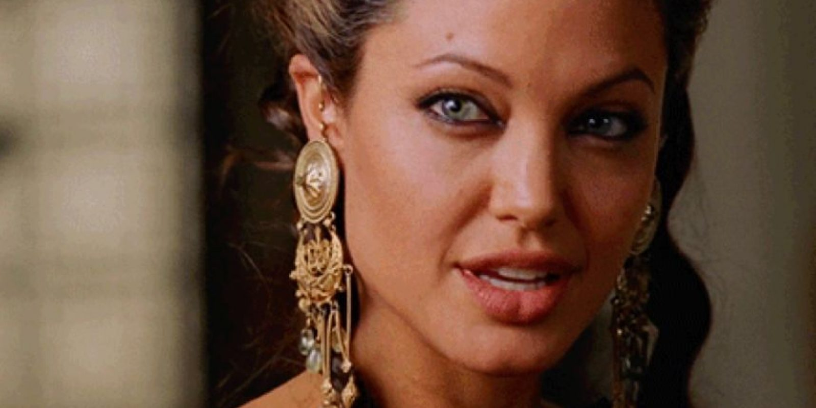 Angelina Jolie se hizo famosa como símbolo sexual. Foto:vía Warner Bros