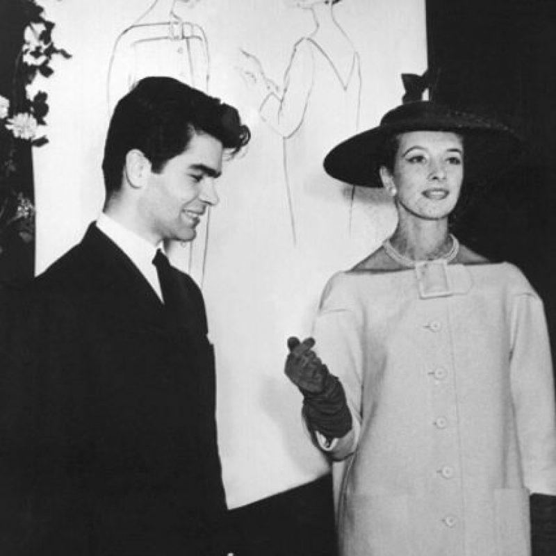 Polifacético, diseña cada una de las líneas inspiracionales de Chanel y la suya. Foto:vía Getty Images