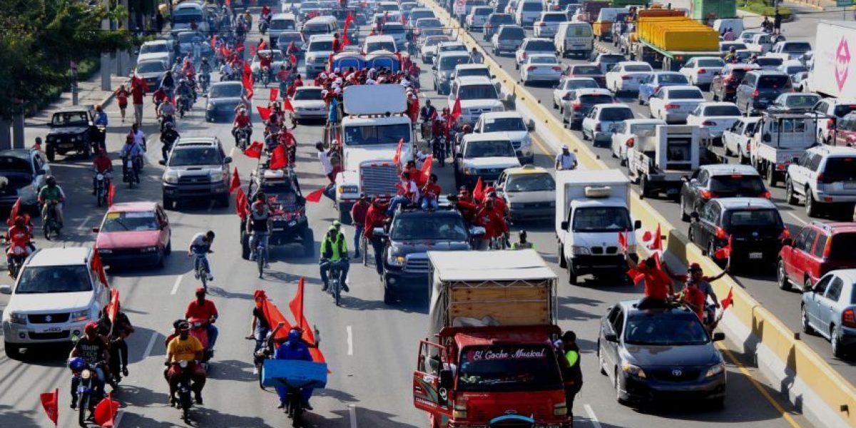 Fotos: Escogido inunda el Gran Santo Domingo de rojo en su desfile del triunfo