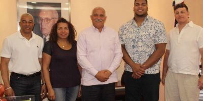 Josué Matías se encuentra en el país para dar clínicas fútbol americano