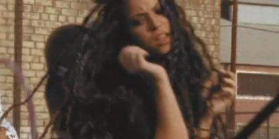 """En """"Bruta, ciega y sordomuda"""" hasta enfrentó una redada. Foto:vía Shakira/VEVO"""