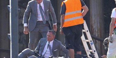"""Daniel Craig y su doble en """"Skyfall"""" Foto:Vía weloveeveryone.posterous.com"""