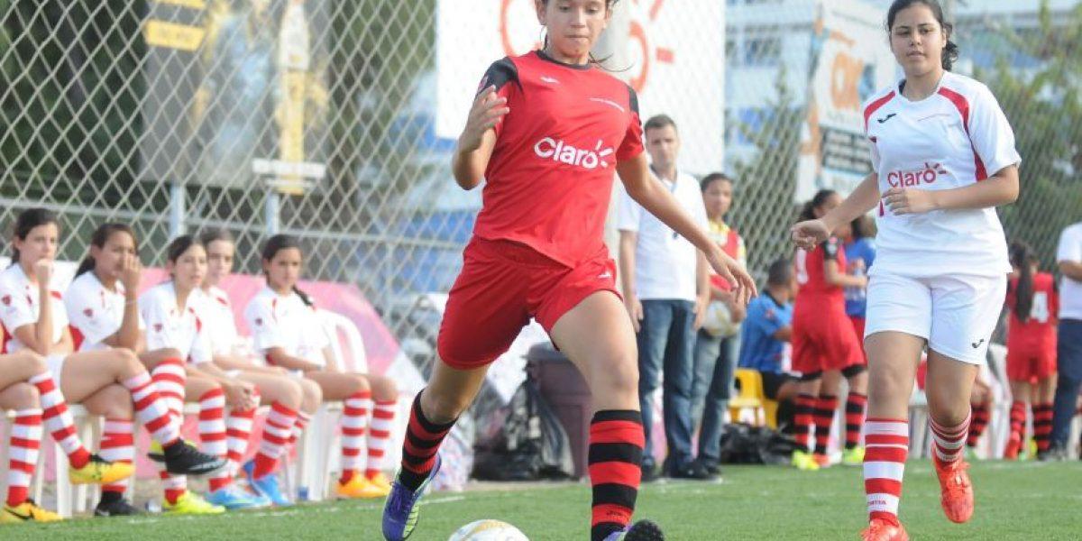 Tres equipos lideran Intercolegial Claro de Futsal Femenino