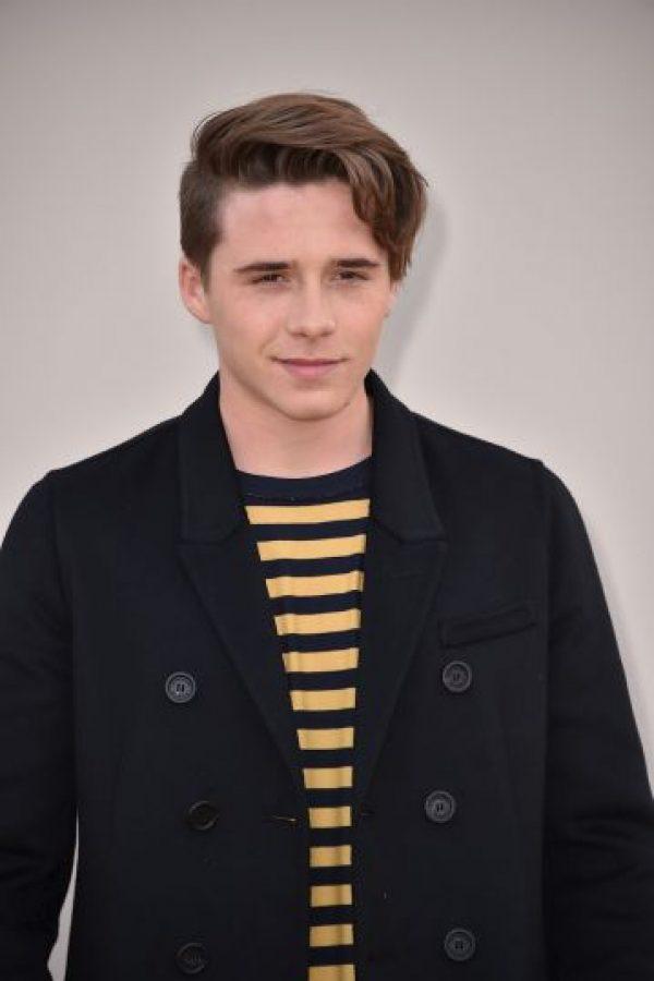 Es el hermano mayor de Romeo, Cruz y Harper Beckham Foto:Getty Images