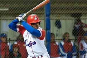 Alfredo Despaigne y Yosvani Alarcón a mostrar el poder del madero cubano. Son los principales artilleros de la tropa de los Tigres de Ciego de Avila, representantes de Cuba en la Serie del Caribe. Alfredo Despaigne ha desaparecido 252 pelotas en 11 temporadas en la Serie Nacional de Béisbol cubano, su mayor total de jonrones en una campaña son 36, que fletó en la campaña del 2011 con los Alazanes de Granma. Por su parte, Yosvany Alarcón ha disparado 75 cuadrangulares en parte de 11 temporadas en la pelota de la mayor de las Antillas, además es el líder en batazos de esta categoria con 16 en la Serie Nacional y es el campeón vigente de la competencia de jonrones de la liga. Foto:Fuente Externa