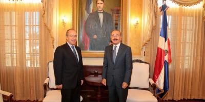 Expresidente mexicano Felipe Calderón alaba la democracia de RD en visita a Danilo Medina