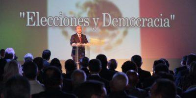 Calderón alabó la democracia de RD
