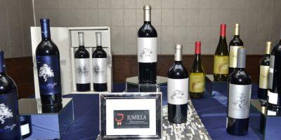 Salud por los exquisitos vinos españoles de Gil Family Estates