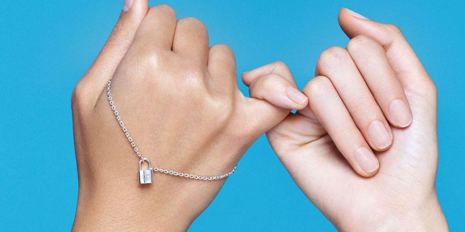 Louis Vuitton ha lanzado dos piezas de joyería diseñadas exclusivamente para recaudar fondos a beneficio de UNICEF y ayudar a niños necesitados. Foto:Fuente Externa