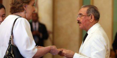 Presidente Medina lamenta el fallecimiento de la embajadora ecuatoriana en el país