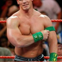 La máxima estrella de la WWE en la actualidad no jugó en la NFL, pero si en el fútbol colegial. Foto:Getty Images