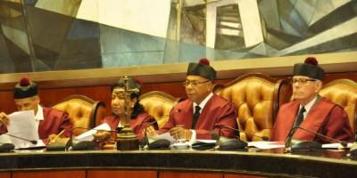 Tribunal Constitucional se reserva fallo sobre Colegio de Notarios