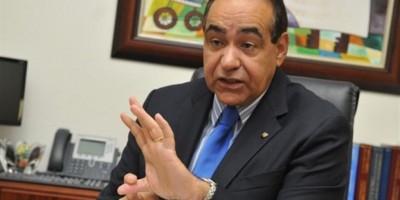 El rector de Unibe dice que el país no soporta más abogados