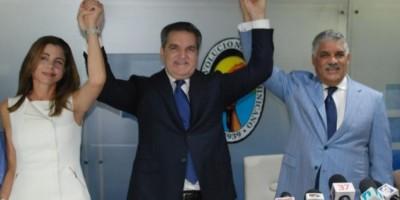 Neney Cabrera se reintegra al PRD como presidente ejecutivo
