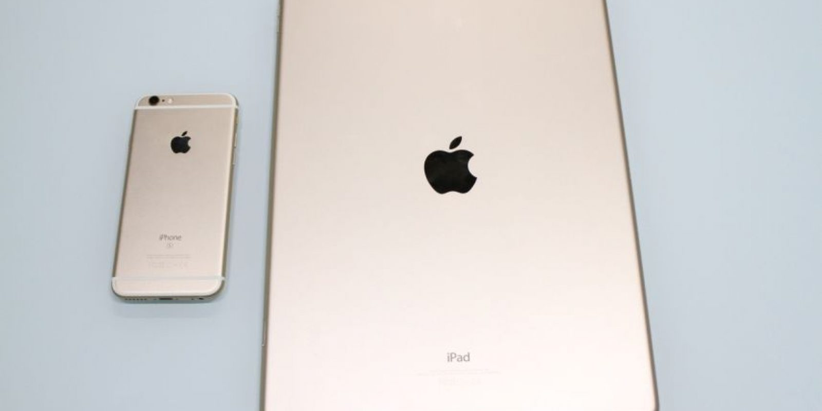 Así luce en comparación con un iPhone 6s. Foto:Nicolás Corte