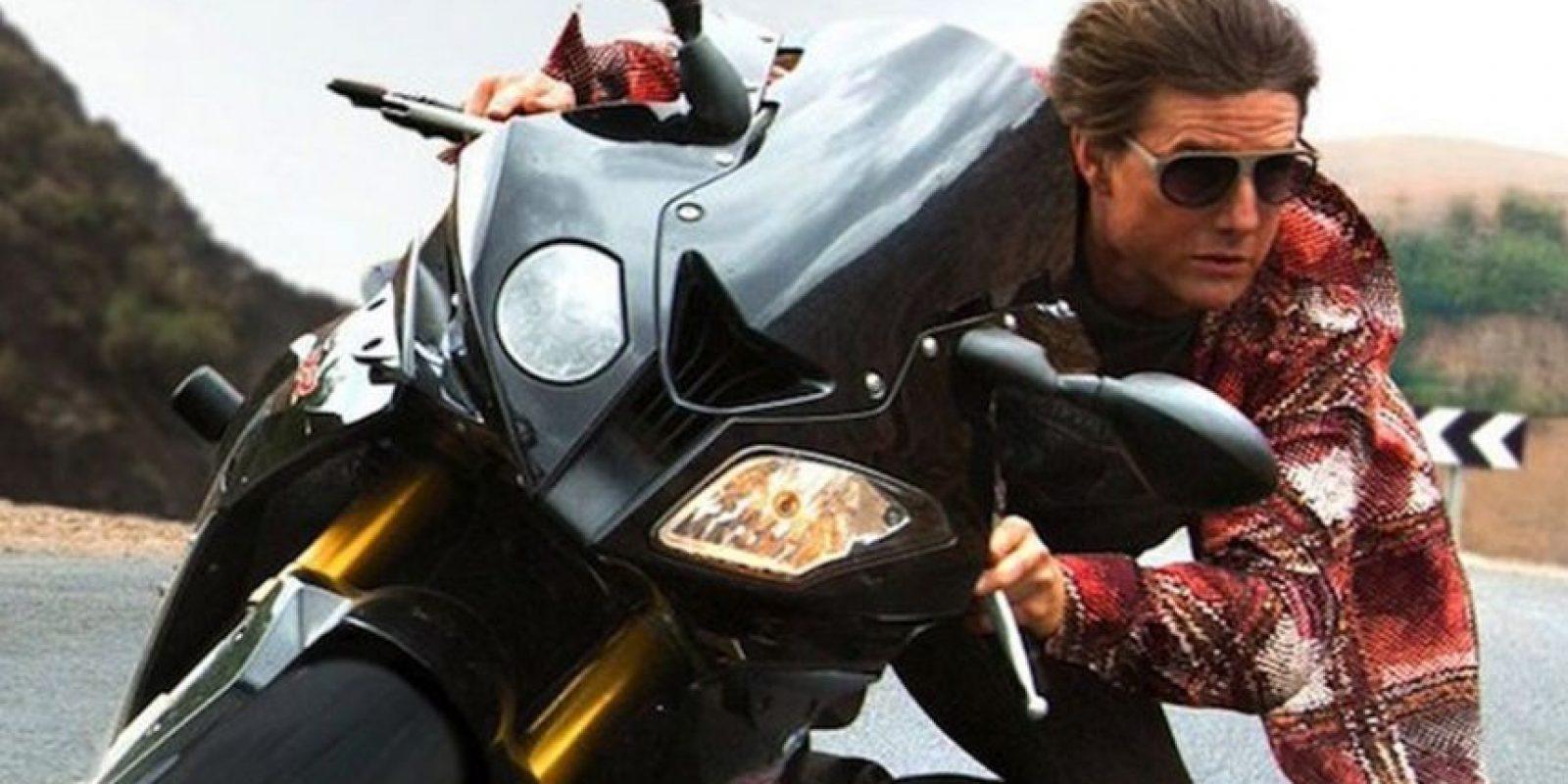 En moto Foto:Misión Imposible