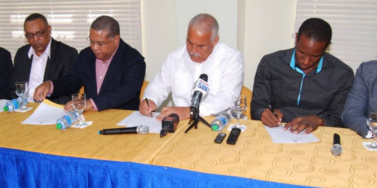 Acuerdan fomentar el béisbol en Haití