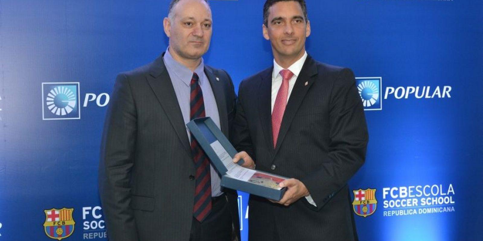 Carles Folguera junto a Roberto Ramìrez, ejecutivo del Banco Popular. Foto: Mario de Peña